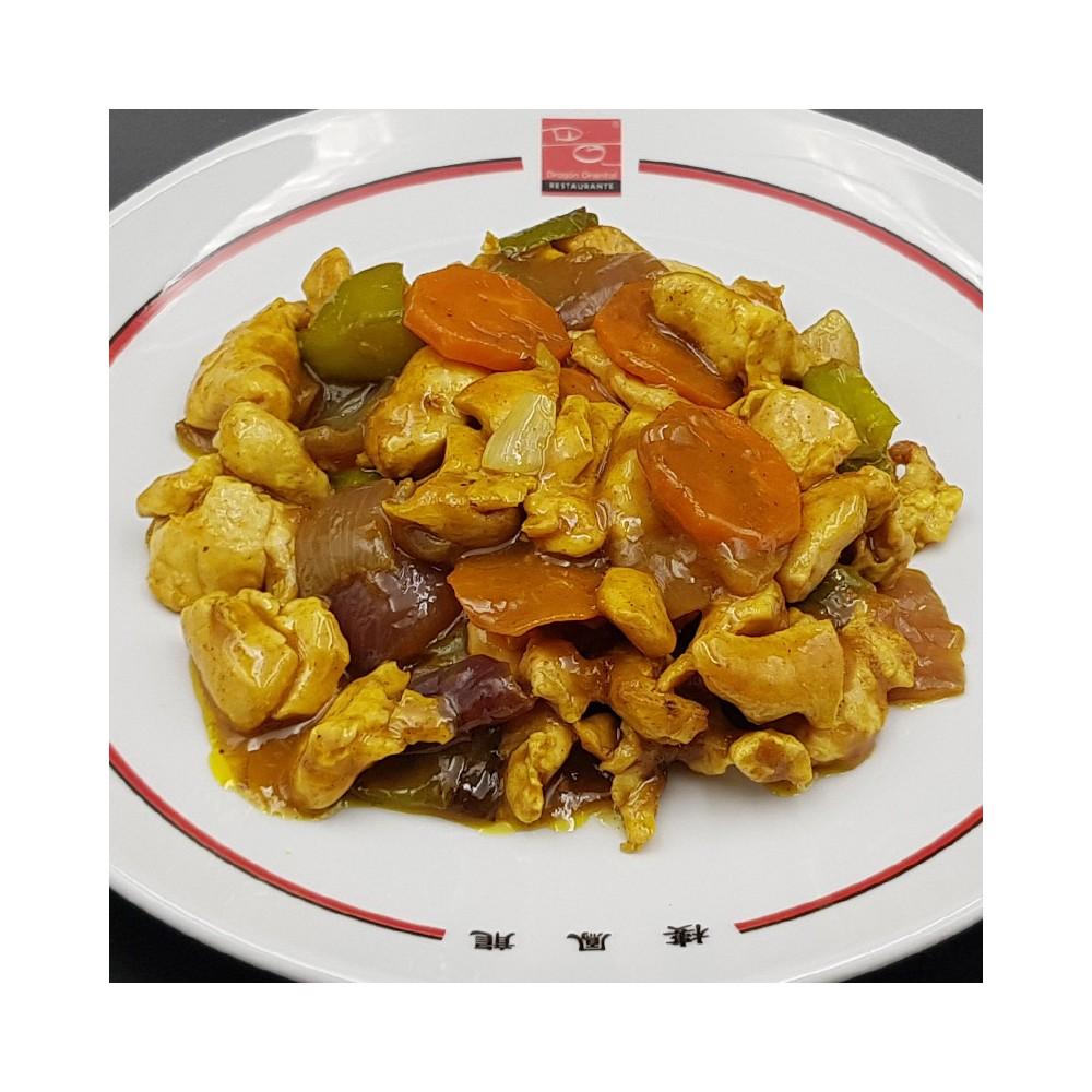 Pollo con salsa de curry